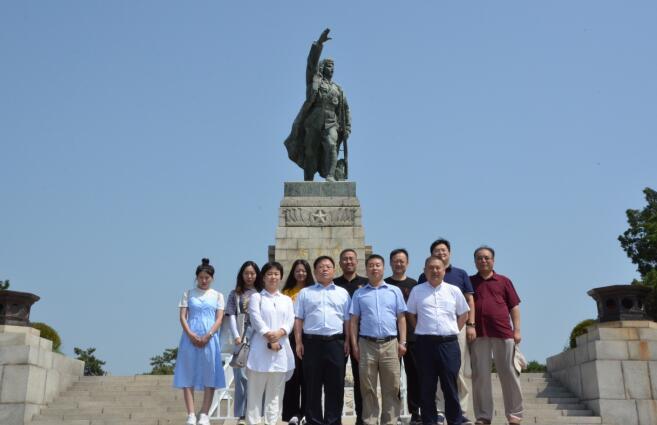 中國小康建設研究會赴遼沈戰役紀念館開展主題教育活動
